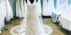 Brautkleid mit Cape